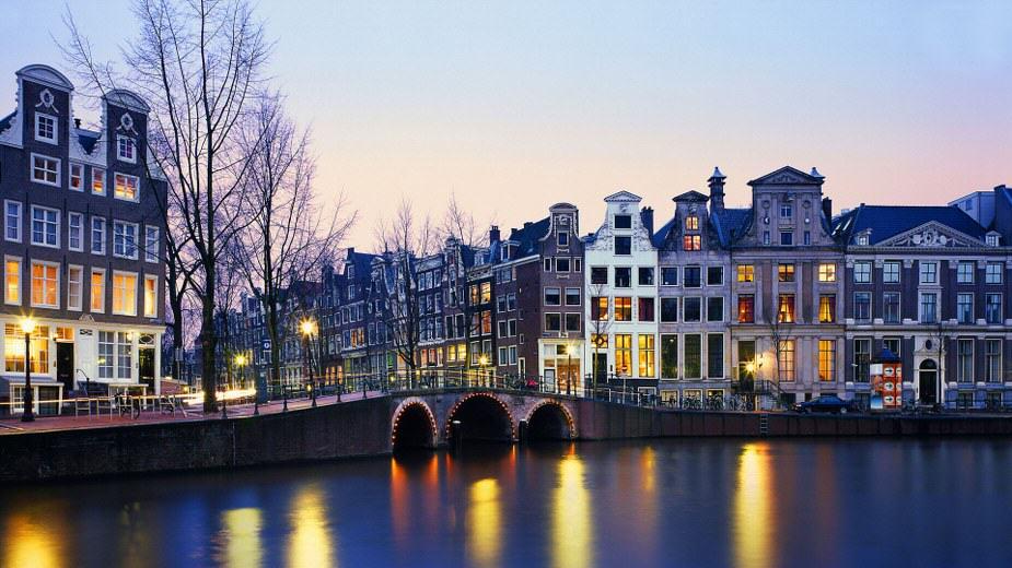 amsterdam-09_925x520