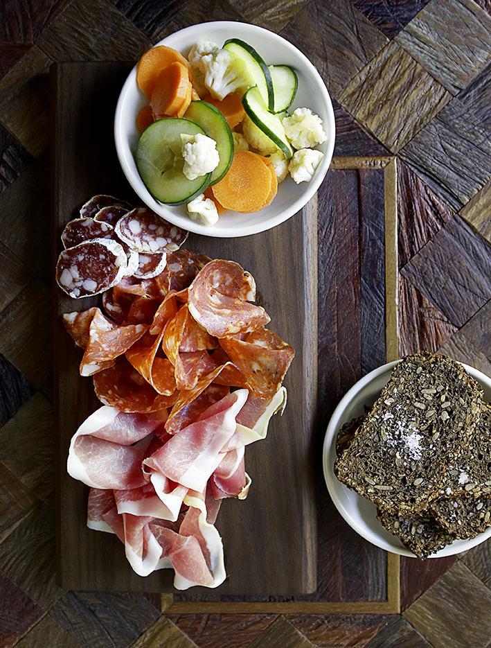 Tørst-Daniel-Burns-Jeppe-Jarnit-Bjergsø-Greenpoint-Brooklyn-beer-bar-luksus-wooden-interior-scandinavian-denmark-danish-michelin-star-kitchen-restaurant-canadian-american-evil-twin-brewing-menu-vegetables-cured-meats-ry