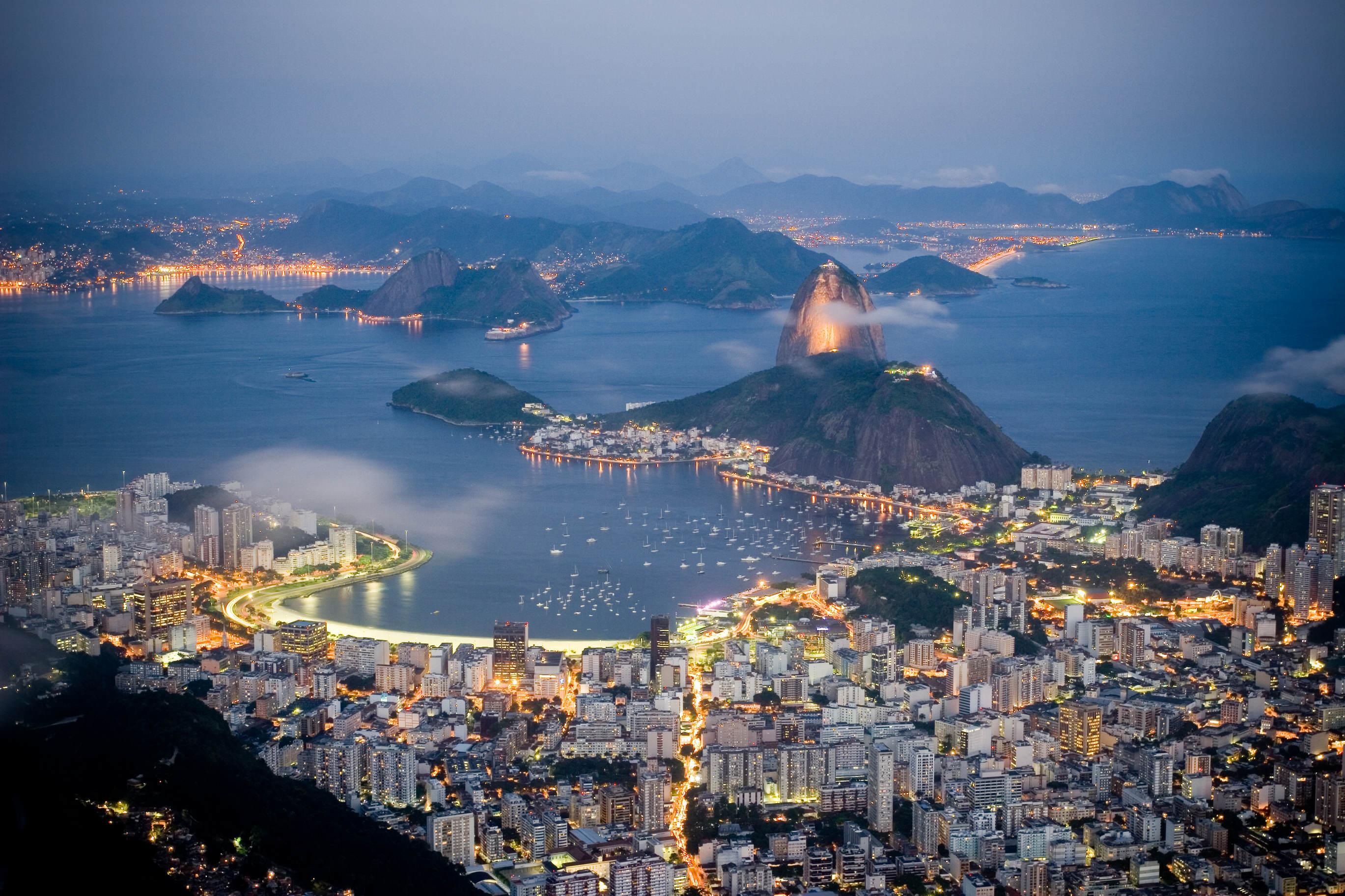 Brazil-Rio-by-night1