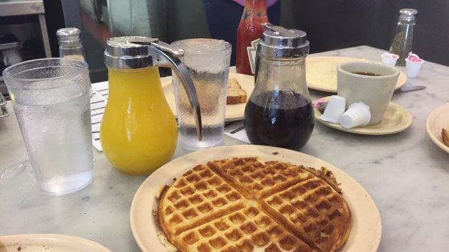 the-camellia-grill-waffle