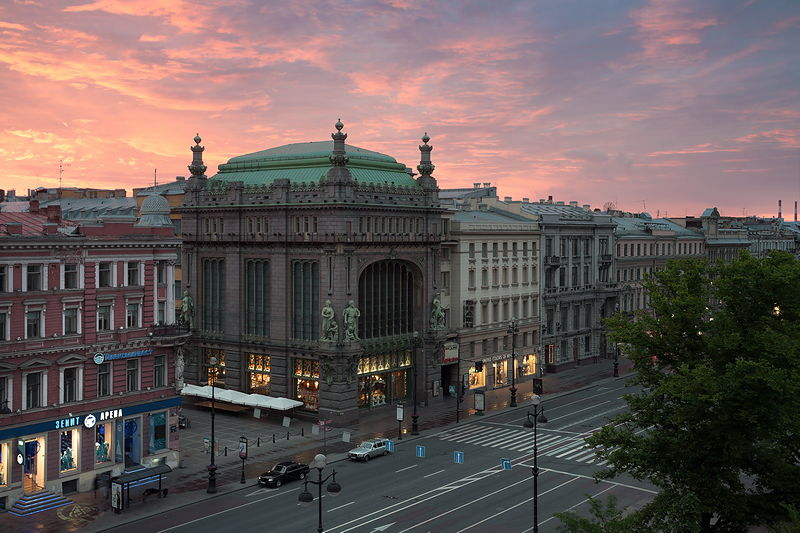 eliseyev-emporium-in-st-petersburg